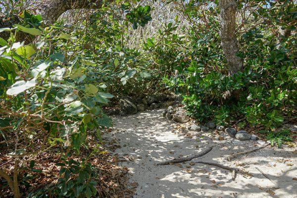 イシキ浜の拝所